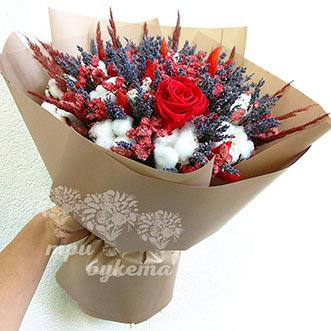 Букет из лаванды и розы