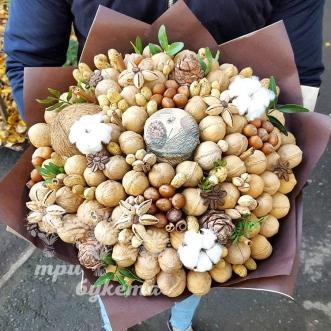 buket-iz-greckih-orehov-i-kokosa
