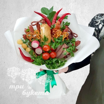 buket-iz-kolbasy-ovoshhej-i-zeleni